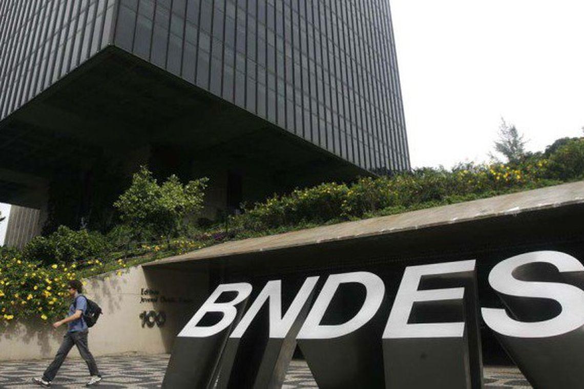 Resultado de imagem para BNDES REGISTRA LUCRO LÍQUIDO DE R$ 2, 7 BI NO TERCEIRO TRIMESTRE